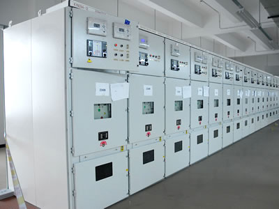 A set of MV KYN28A-12 (GZS1) metal-clad movable switchgear.